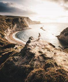Dorset's Jurassic Coast in the UK. 90 miles of coastline... 185 million years of history.Picture by @muenchmax  Discover the most hidden places on our travel map! www.mapiac.com