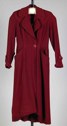 """Coat  Design House: House of Chanel  Designer: Gabrielle """"Coco"""" Chanel  Date: ca. 1930 Culture: French Medium: Wool Accession Number: 2009.300.6900"""