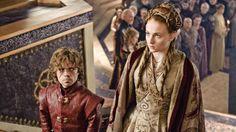 Game of Thrones Fashion Recap: A Westeros Wedding – Sophie Turner as Sansa Stark & Peter Dinklage as Tyrion Lannister. Sansa Stark, Tyrion And Sansa, Game Of Thrones Sansa, Eddard Stark, Game Of Thrones Episodes, Tyron Lannister, Jaime Lannister, Sophie Turner, Scream Queens