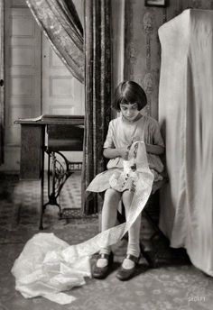 Tiny Seamstress - March 1924. Photo by Lewis Wickes Hine. - View full size. >>>>> http://www.shorpy.com/files/images/SHORPY_04324u.jpg