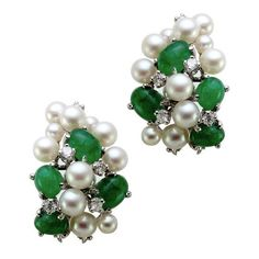 Pre-owned 14K White Gold Emerald & Pearl Diamond Cluster Earrings (215,495 INR) ❤ liked on Polyvore featuring jewelry, earrings, 14k earrings, white gold pearl earrings, pre owned jewelry, emerald jewelry and multi stone earrings