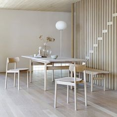 SPISEBORD I NATURTRE: Bjelke, design Andreas Engesvik for Tonning & Stryn, 22 838 kr, Pur Norsk. Dining Room Chairs, Dining Table, Ikea, Interior, Inspiration, Furniture, Home Decor, Scandinavian, Happy