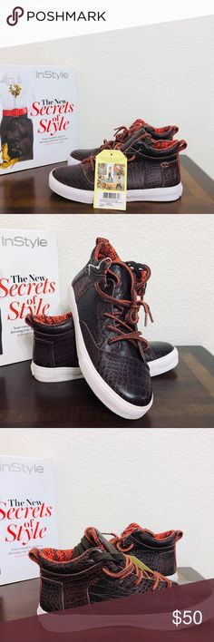 d2ef2a602a72 Toms leather sneakers STORE CLOSING. FINAL PRICE . Toms -Leather croc  embossed fashion sneakers