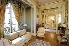 Essence of me blog - traditional decor living room
