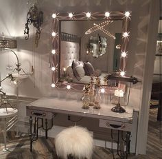 Dreaming of spendy vintage vanities? Create your own DIY vanity with these tips Vanity Redo, Vanity Drawers, Vanity Ideas, Vanity 6, Vanity Mirrors, Girl Bedroom Designs, Makeup Studio, Makeup Organization, Diy Makeup Storage