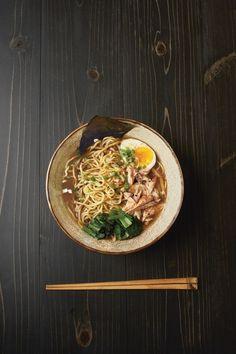 Comment réussir un vrai ramen maison comme au Japon? Ramen Noodle Recipes, Ramen Noodles, Soup Recipes, Chicken Recipes, Noodle Soups, Indian Food Recipes, Asian Recipes, Ethnic Recipes, Keto Zoodles Recipe