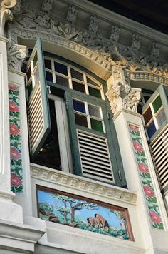 Peranakan building in Singapore Culture Of Singapore, Singapore Art, Strait Of Malacca, Dutch East Indies, Restaurant Concept, Indochine, Brunei, Traditional House, Architecture Details