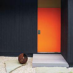 New orange front door brick house mid century Ideas Orange Front Doors, Orange Door, Orange House, Front Door Colors, Orange Red, Exterior Door Colors, Modern Exterior Doors, Black House Exterior, Exterior Paint