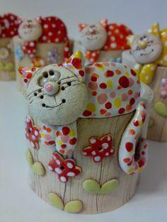 Prodané zboží od Akoča a Ufola / 2014 Pottery Animals, Ceramic Animals, Clay Animals, Ceramic Clay, Ceramic Pottery, Diy Crafts Slime, Clay Jar, Rock Decor, Ceramic Figures