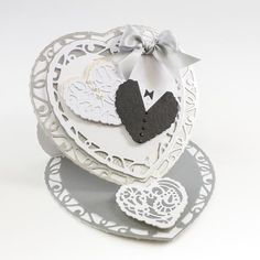 Tonic Studios - Rococo Die And Stamp Set - Paisley Heart - £5.99 - A Great Range…