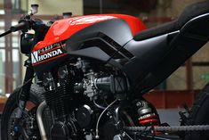 Race-bred Rendition - X AXIS Honda CBX750 | Return of the Cafe Racers