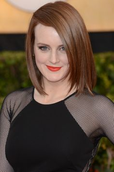 Love her on Downton Abbey and off....Tres, tres Chic!!! Sophie McShera Golden Globes