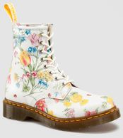 My style, my boots! I'm not joking I have these boots and I ADORE them! #Docmartens