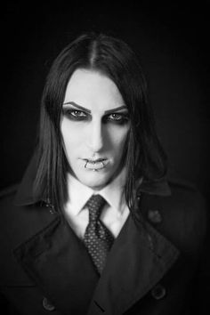 chris motionless and his girlfriend is he still with