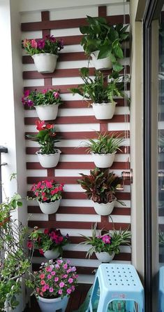 , What You Can Do About On a Budget DIY Home Decor Ideas for Your Small Apartment Starting in the Next Five Minutes Your apartment could be short on spa. Small Balcony Decor, Small Balcony Garden, Balcony Plants, House Plants Decor, Balcony Design, Plant Decor, Cute Furniture, Home Decor Furniture, Diy Home Decor
