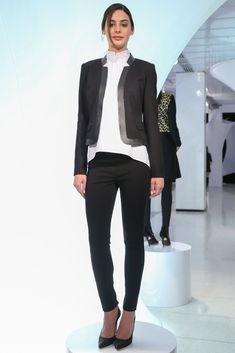 Elie Tahari Fall 2013 Ready-to-Wear Collection Photos - Vogue