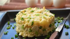 Mashed Potatoes, Romania, Ethnic Recipes, Food, Green, Salads, Red Peppers, Whipped Potatoes, Smash Potatoes
