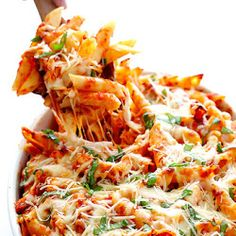Chicken Parmesan Baked Ziti Need: 12 oz penne ziti (or any pasta shape); 2 C shredded, cooked chicken; 1 C shredded mozzarella cheese; C freshly-grated Parmesan cheese; C packed fresh basil leaves, roughly chopped. Chicken Parmesan Baked Ziti Recipe, Cooked Chicken, Chicken Sauce, Parmesan Recipes, Rotisserie Chicken, Oven Chicken, Chicken Ziti, Chicken Alfredo, Alfredo Sauce