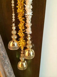 Door hangings Diy Diwali Decorations, Indian Wedding Decorations, Festival Decorations, Flower Decorations, Diwali Craft, Diwali Diy, Gauri Decoration, Acrylic Rangoli, Indian Theme