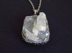c2ec1fad1e59 Colgante Puntas de Cuarzo Natural Cuarzo cristal blanco con Piedras  Naturales