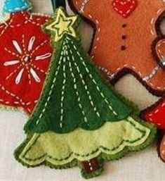 Sewing Projects Winter Felt Ornaments Trendy Ideas Sewing Happy New Year Felt Christmas Decorations, Felt Christmas Ornaments, Beaded Ornaments, Christmas Nativity, Christmas Sewing, Handmade Christmas, Christmas Diy, Christmas Projects, Holiday Crafts