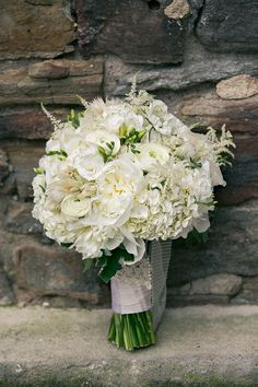 white bouquet | Erin Johnson Photography | Glamour & Grace
