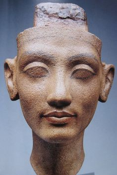 Amarna bust of a queen probably Nefertiti