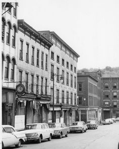 Lower Broadway in Downtown Kingston looking toward The Strand, with the Cornell building at the foot, March 12, 1972.