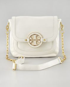 I have an obsession with cross body purses & I THINK I may have just fell in love with this Tory Burch one =D