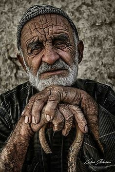 by Ufuk İşleker Pictures Of People, Pictures To Draw, People Photography, Portrait Photography, Old Man Portrait, Portrait Art, Old Faces, Street Portrait, Creative Portraits