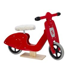 SKIPPER RED BALANCE SCOOTER for child, toddler or kid.  Simplify gift giving by registering a gift on Wishgift.ca.  Provide guests a gift-option and allow them to be part of a group-gift.  Ideal bike for kids 2-5.