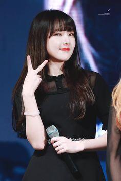 Credits to the rightful owners Kpop Girl Groups, Korean Girl Groups, Kpop Girls, Gfriend Yuju, Cloud Dancer, G Friend, Fandom, Entertainment, Girl Bands