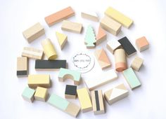 Wooden blocks: Mixed colours - 30 pieces in cotton bag - Baby & Toddler toys - Wooden toys - Toddler gift - Gift for kids - Building blocks