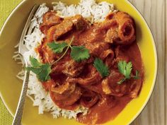 Vikram Sunderam's recipe for aromatic lamb rogan josh is a simplified version of the succulent lamb stew he serves at his restaurant Rasika in Washington, DC. Butter Chicken Sauce, Chicken Sauce Recipes, Paratha Recipes, Paneer Recipes, Chicken Jalfrezi Recipe, Easy Indian Recipes, Ethnic Recipes, Main Course Menu, Best Sauce Recipe