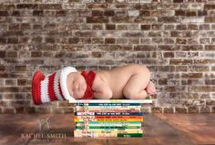 This bookworm: | 29 Newborns Who Really Nailed Their First Photo Shoot