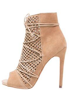 Steve Madden MADDYE - High Heel Stiefelette - sand für 139,95 € (25.08.16)…