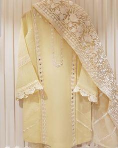 Pakistani Fancy Dresses, Beautiful Pakistani Dresses, Pakistani Fashion Party Wear, Pakistani Dress Design, Pakistani Clothing, Pakistani Outfits, Fancy Dress Design, Stylish Dress Designs, Designs For Dresses