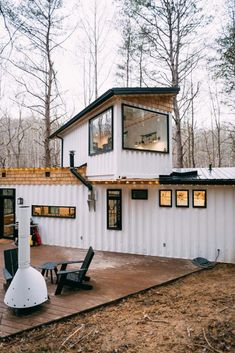 The BoHo Box Hop Container House - USA - Living in a Container A smaller and completely different container house with a Clawfoot tub, massive back deck, 6 person hot tub, and three skylights! We are beyond excited to wrap up this new build! Building A Container Home, Storage Container Homes, Container Buildings, Tiny Container House, Usa Living, Shipping Container Home Designs, Shipping Containers, Shipping Container Cabin, Tiny House Living