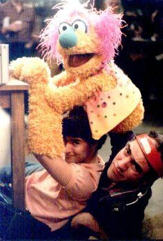 Richard Hunt performing on Sesame Street Sesame Street Muppets, Sesame Street Characters, Cartoon Characters, Jim Henson Puppets, Jim Hanson, Richard Hunt, Custom Puppets, Fraggle Rock, The Muppet Show