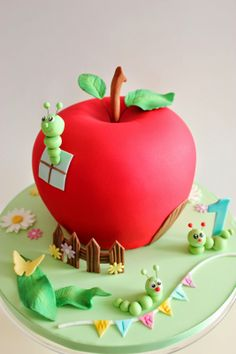 Tarta decorada con forma de manzana Teacher Cakes, Cake Creations, Fondant Cakes, Party Cakes, Apple Cake, School Cake, Character Cakes, Specialty Cakes, Novelty Cakes