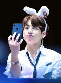 Jungkookie ❤ Jungkook from BTS Foto Jungkook, Foto Bts, Jungkook Cute, Kookie Bts, Jungkook Oppa, Bts Bangtan Boy, Jungkook 2017, Jungkook Glasses, Namjoon