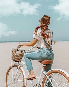 Summer denim outfit - Emily Vartanian rides cute beach cruiser bike on Venice be. - Summer denim outfit – Emily Vartanian rides cute beach cruiser bike on Venice beach, styled ponyt - Bike Photoshoot, Videos Instagram, Bike Photography, Photography Training, Summer Denim, Bicycle Girl, Summer Aesthetic, Beach Aesthetic, Summer Photos