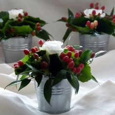 christmas flower arrangements for table christmas flower table inside christmas floral table decorations Christmas Flower Arrangements, Table Flower Arrangements, Christmas Flowers, Table Flowers, Simple Christmas, Christmas Diy, Christmas Ornaments, Holiday, Flower Table Decorations