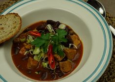 Czech Recipes, Ethnic Recipes, Thai Red Curry, Beef, Treats, Food, Red Peppers, Meat, Sweet Like Candy