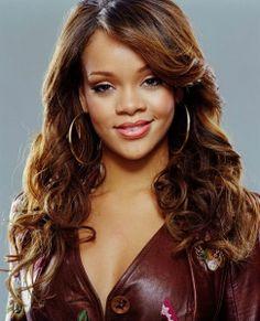 Rihanna átváltozott - http://hjb.hu/rihanna-atvaltozott.html/