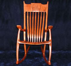 Texas Crown Rocker in Honey Mesquite