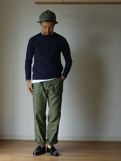 Re made in tokyo japanのTシャツ・カットソー「Re made in tokyo japan アールーイーメイドイントーキョージャパン NARROW RIB POCKET TRAINER ナローリブポケットトレーナー ネイビー」を使ったcomoda上西猛夫(comoda)のコーディネートです。WEARはモデル・俳優・ショップスタッフなどの着こなしをチェックできるファッションコーディネートサイトです。