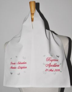 écharpe de baptême bébé papillon 2 côtés personnalisée brodée avec parrain marraine pour garçon ou fille : Mode Bébé par lbm-creation