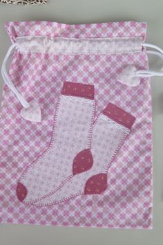 Small Sewing Projects, Sewing Hacks, Sewing Art, Sewing Crafts, Quilt Patterns Free, Sewing Patterns, Peg Bag, Sewing Courses, Craft Stalls