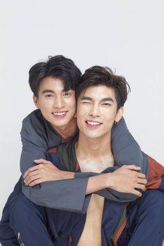 Ideal Boyfriend, Boyfriend Photos, Couples Modeling, K Drama, Isak & Even, The Moon Is Beautiful, Anatomy Poses, Ideal Man, Attractive Guys